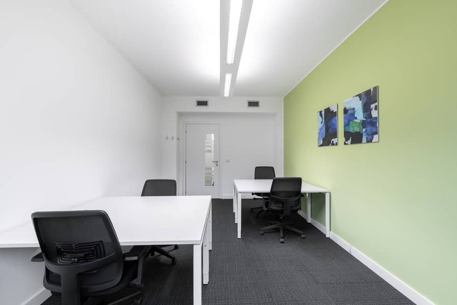Private office for 3 people in Chonburi, Harbor Mall