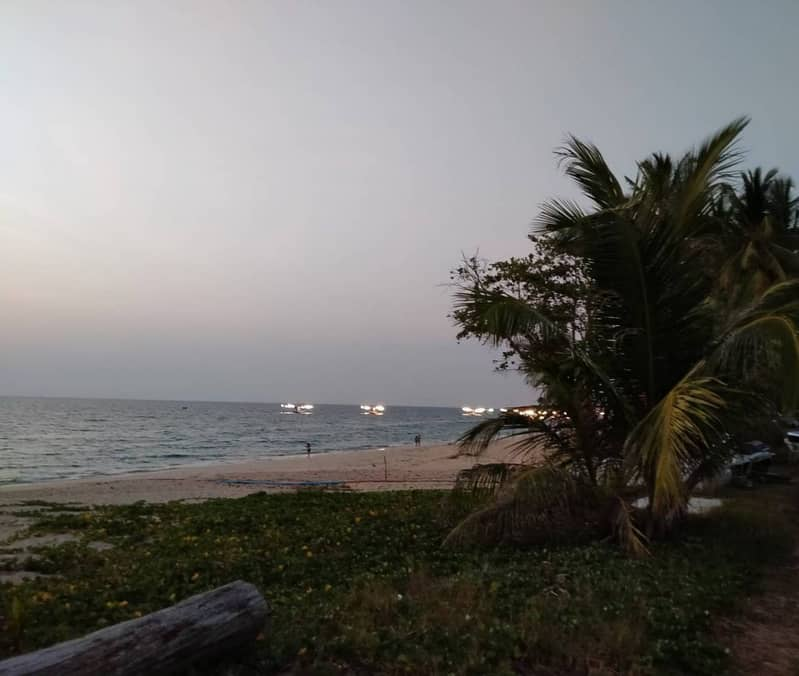 Land for sale on the beach front of Thai Mueang Beach With buildings The land is only 500 meters from the sea.