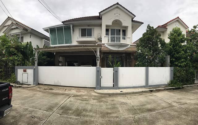 Home for Rent Perfect Place Sukhumvit 77 next to Robinson and Paseo Ladkrabang