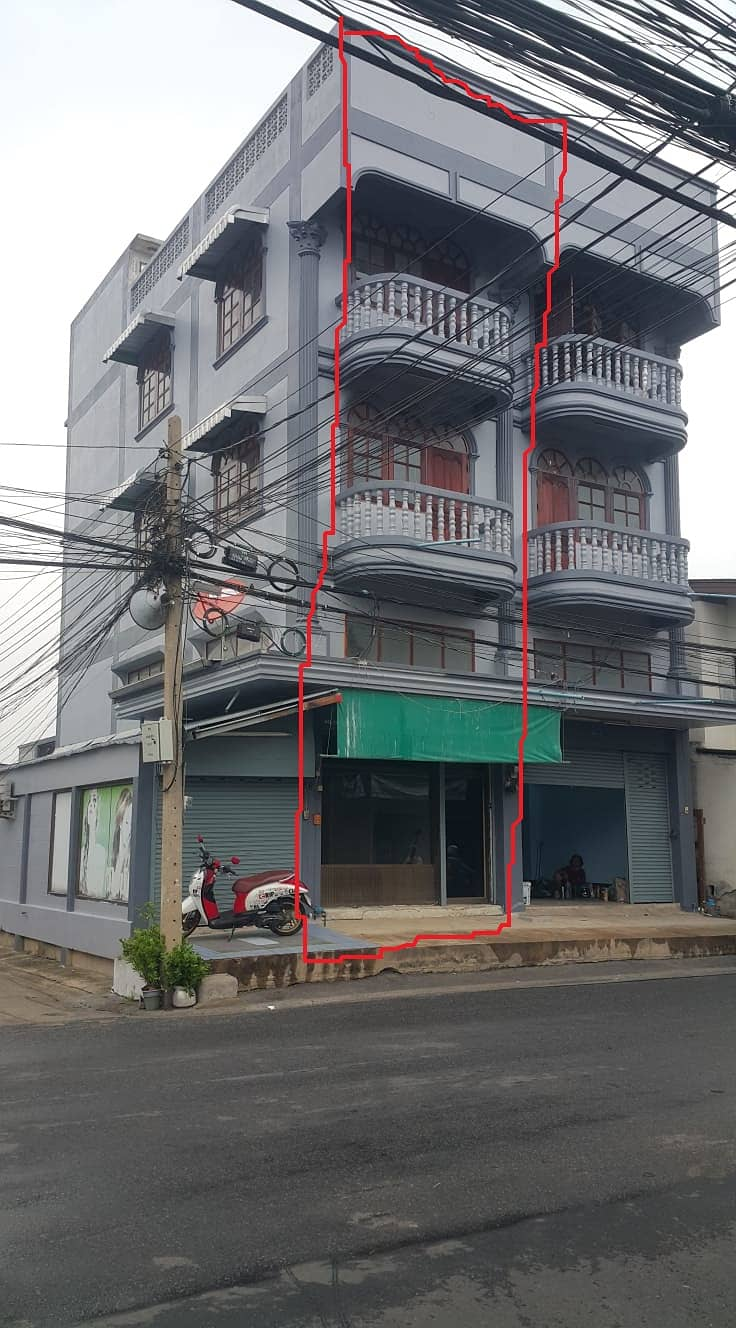 Sales of commercial buildings, 1 booth, 20 square wa. Negotiable, no broker.
