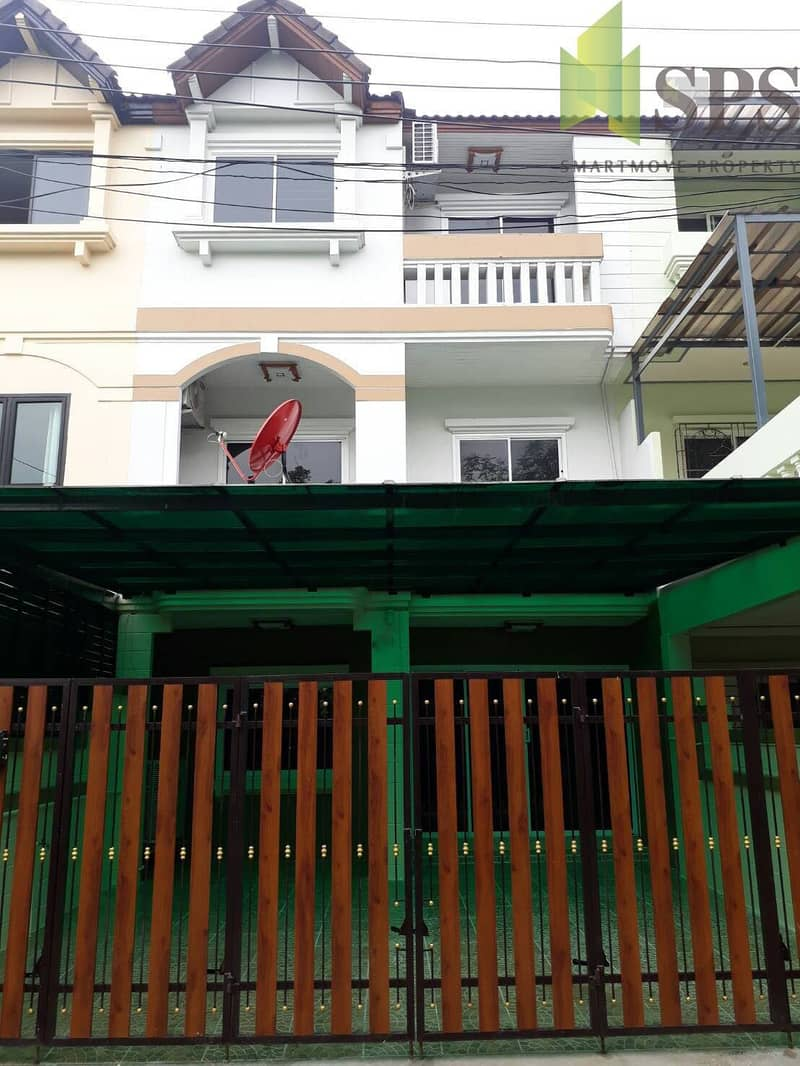 Selling a town house SALE HOME OFFICE in Sukhumvit 66 Thap 1 (SPSP33)