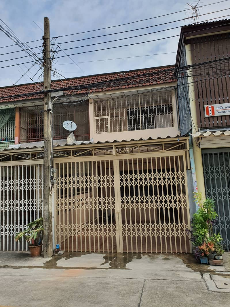 H402-2 storey Townhouse for Rent 2km. to BTS Udomsuk