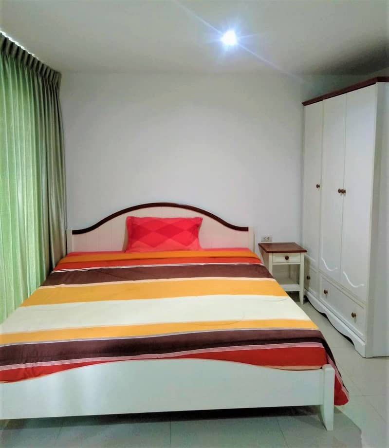 700 THB/ Day, fully furnished condo for rent, good location