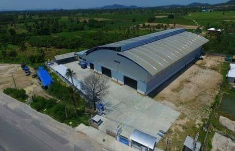 Factory for Rent in Mueang Rayong, Rayong - Sell and rent a factory warehouse area of 7 rai with 6 cranes in the purple area.