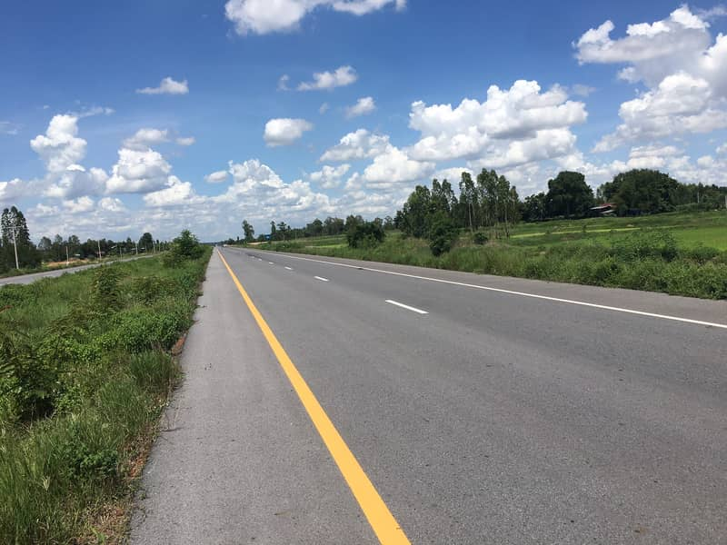 Four-lane land for sale in Ban Dan Tae. Great price and location! Land 3-1-55 Rai, price 2,500,000 Don Chan Subdistrict, Don Chan District, Kalasin Province