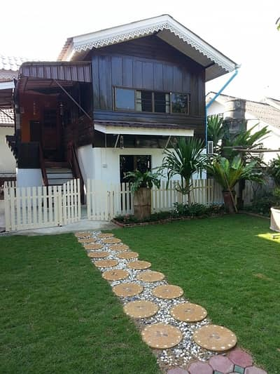 1 Bedroom Home for Rent in Mueang Chiang Mai, Chiangmai - Wooden House for rent, 1 BR 2 WC In town in Nong Hoi Area
