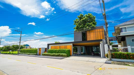 3 Bedroom Home for Sale in Hang Dong, Chiangmai - CH0187 Luxury house for sale Location near the town with 3 bedrooms, 5 toilets, fully furnished with a private pool and large garden.