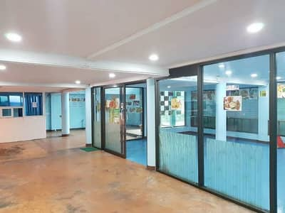 Commercial Space for Rent in Sathon, Bangkok - For rent in the heart of the city, Sathorn area, next to Narathiwat Ratchanakarin Road, good location.
