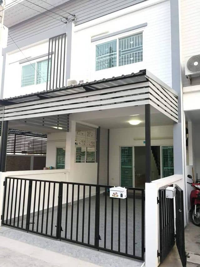 Townhome for rent at the back of the brand new Bangsaen Valley.