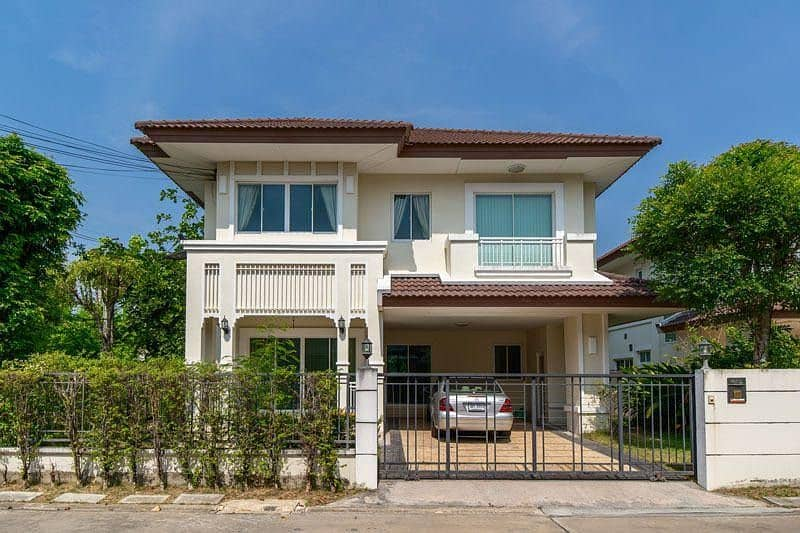 House for rent near MRT Bang Phlu The Centro Rattanathibet Village, fully furnished Ready to move in