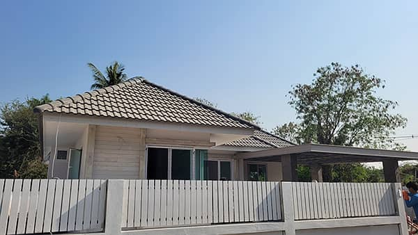CM0315  Single storey house for sale. Only 10-15 minutes with 3 bedrooms,2 toilets, usable area of   80 sq m.