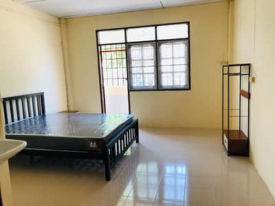 31 Bedroom Apartment for Rent in Bang Kho Laem, Bangkok - Daily-monthly room rental, free parking, large room with balcony Khubon 25 Junction 11