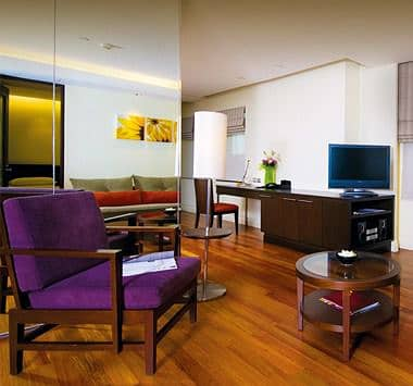 2 Bedroom Apartment for Rent in Bang Rak, Bangkok - Service Apartment Modern luxury decoration Modern boutique serviced apartment on Silom Road