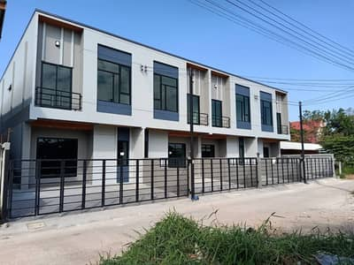 3 Bedroom Townhouse for Sale in Mueang Udon Thani, Udonthani - 2C2MG0218