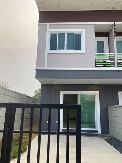 2 Bedroom Townhouse for Sale in Mueang Udon Thani, Udonthani - 2C5MG0316  Townhouse for sale with 2 bedrooms,2 toilets. The price is at THB 1.29 millions.