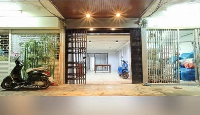 5-storey commercial building for sale, Dusit District, next to Rama 5 Road, near Ratchawat Intersection. The most beautiful location in this area