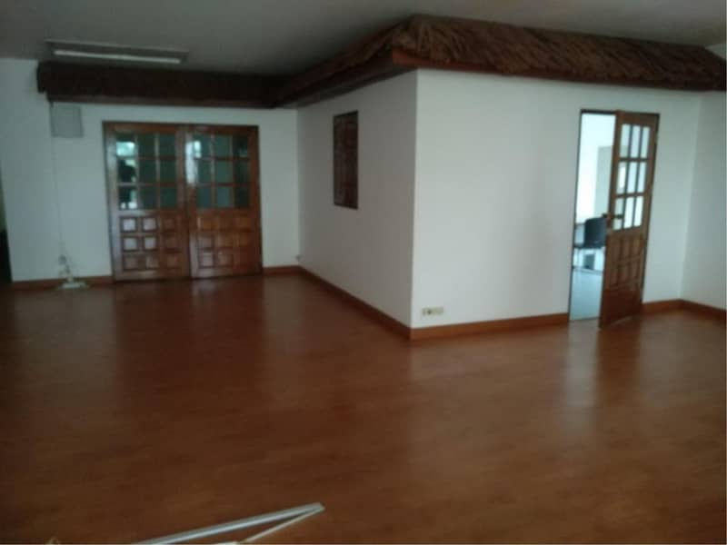 39158-Office building 4-storey for rent, close to Silom road, 342 sq. wa.