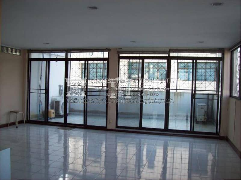30266 - Townhouse for sale 4.5 stories Phaholyothin 5 Rd. 50 sq. w. .