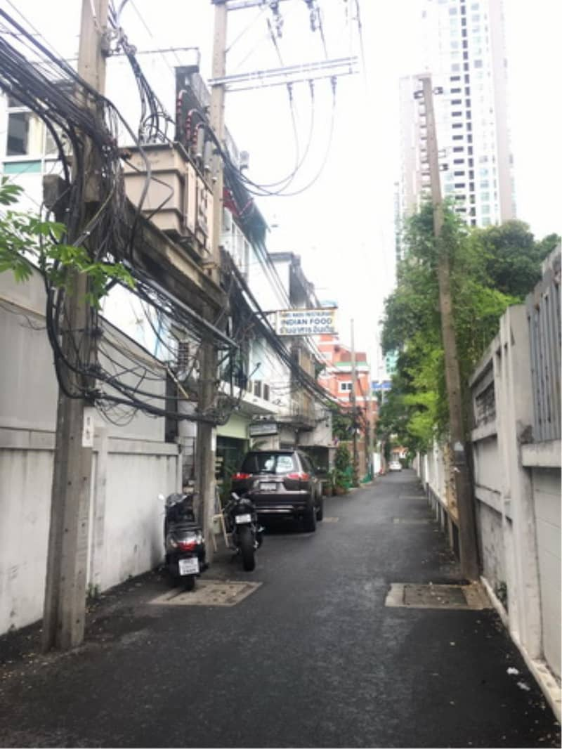 38473 - Land for sale on Silom 11 road, 100 meters
