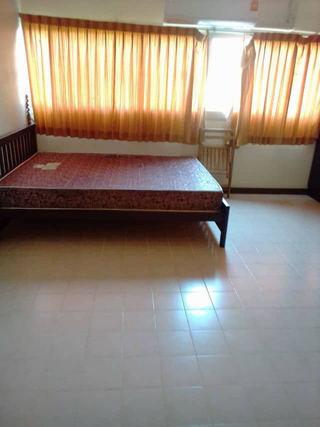 Muang Thong Thani room for rent