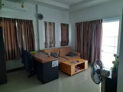 House for sale at Lalitta, near Chiang Mai city, just 200 m away from the 3rd ring road, near Sinseng School and Boonthavorn
