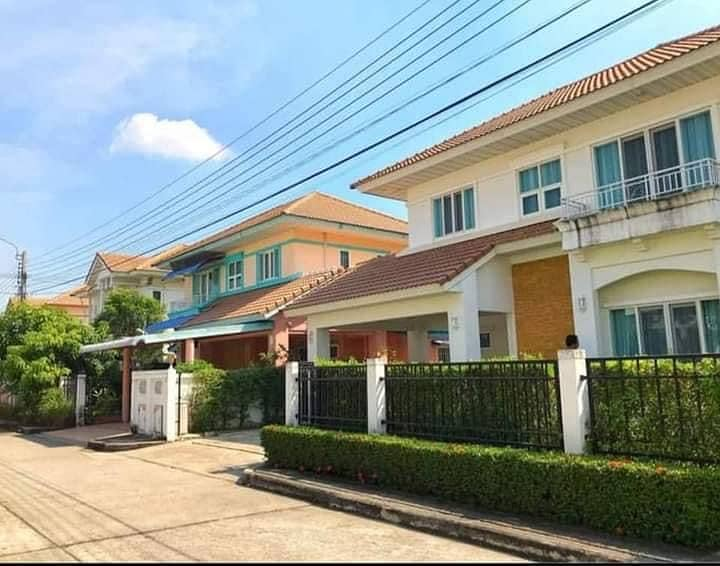 House For Rent : Perfect Place Village Ratchapruk Rd. Near Rama5 Rd. Nonthaburi