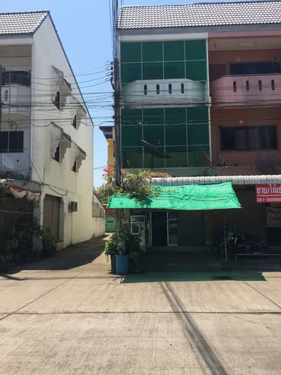 Commercial Building for Sale in Mueang Uttaradit, Uttaradit - 3-storey commercial building ready