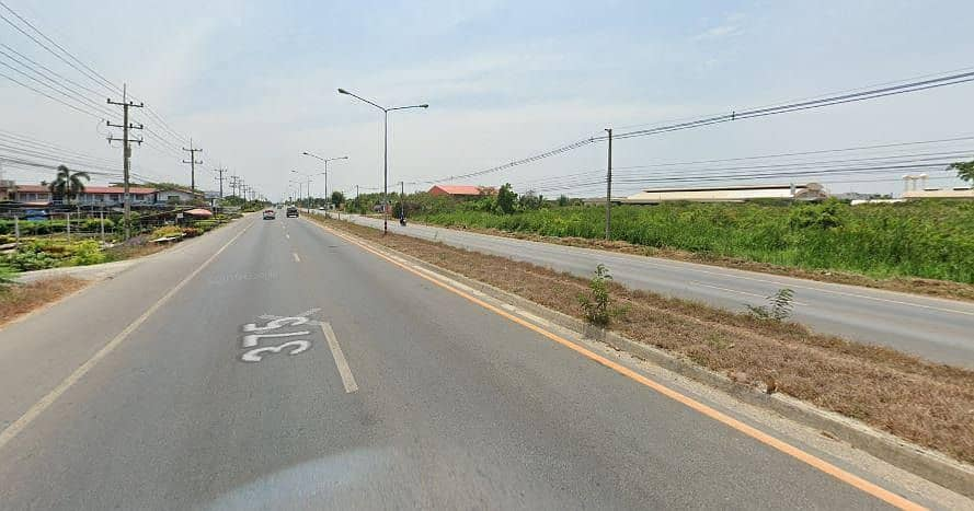 Land for sale on Phra Prathone Road, Ban Phaeo, Rama 2, area 10 rai, for sale at this price, no more, on 4 lanes.