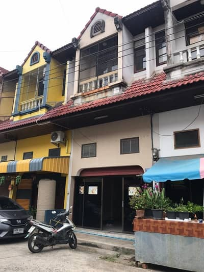 2 Bedroom Townhouse for Rent in Mueang Chachoengsao, Chachoengsao - ทาวน์เฮ้าส์สองชั้นครึ่ง