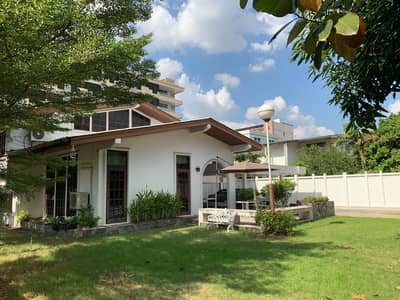 3 Bedroom Home for Rent in Phaya Thai, Bangkok - 2 storey detached house for rent near Victory Monument 3 bedrooms, 5 bathrooms, fully furnished, has a wide lawn, near BTS Victory Monument, Phaya Thai District, rental price 75,000 baht, on Ra Road.