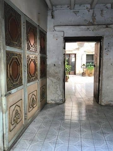Rent a traditional Chinese house near Yaowarat, more than 200 years old since the reign of King Rama III.