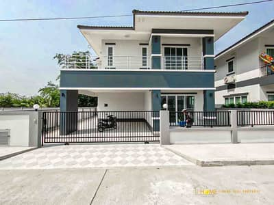 4 Bedroom Home for Sale in Saraphi, Chiangmai - CN0172 Two-storey house for sale. Takes only 10-15 minutes to reach the city. 4 bedrooms and 3 bathrooms, 54 sq. wa.