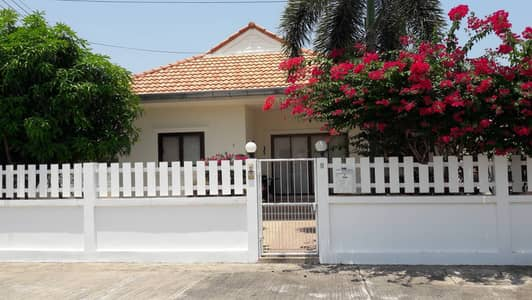 2 Bedroom Home for Sale in Cha-Am, Phetchaburi - One storey single house lot area 83 sqw 102 home area 102 sqm 2 bed rooms 2 bath rooms 1 big living room  Ampher Cha-Am Petchaburi
