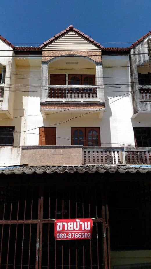 2 and a half storey house for sale, good location, near Big C intersection, Khlong Hae, Hat Yai