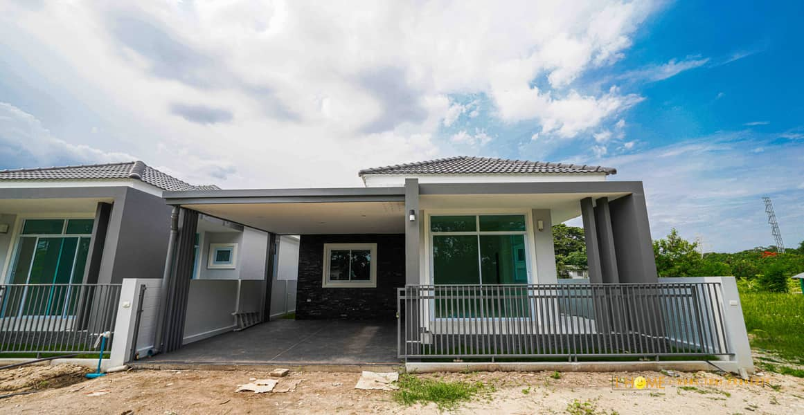 CE0295 Single-storey house for sale. Located near the city. 3 bedrooms and 2 bathrooms, 45 sq. wa.