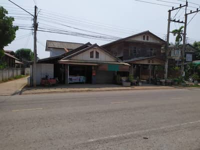 2 Bedroom Home for Sale in Kaeng Khro, Chaiyaphum - House for sale on the road Suitable for trading in Khok Krung, Kaeng Khor District, price 1.6 million baht, area 49 square meters.