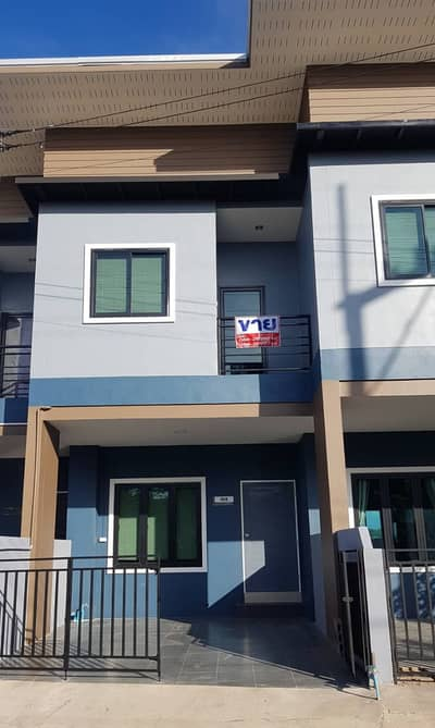 2 Bedroom Townhouse for Sale in Mueang Nan, Nan - Mueang Nan District Selling a new townhome, beautiful, fully furnished, in the front zone in Nan village, you side the market Pangkha and Seven Location of community sources, safe entry and exit
