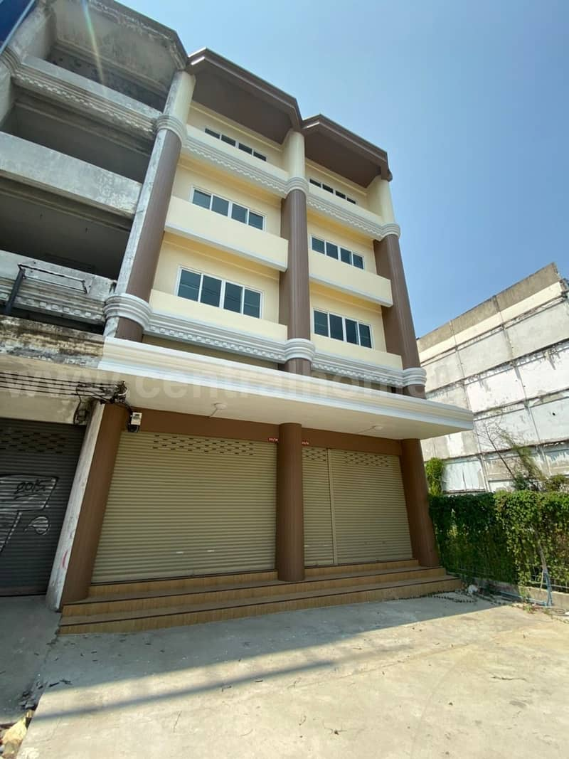 For rent, commercial building, 4.5 floors, 2 booths, next to MRT Bang Phlu.