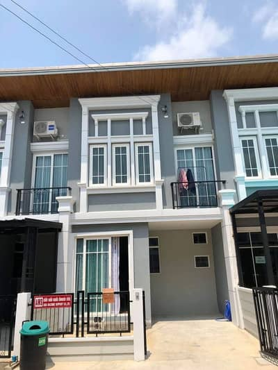 3 Bedroom Townhouse for Rent in Suan Luang, Bangkok - H483-Townhouse for rent, 2 floors, Golden Town 3, Bangna-Suan Luang. with furniture and electrical appliances, convenient to travel, ready to move in