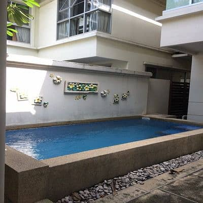 3 Bedroom Home for Rent in Yan Nawa, Bangkok - 2 storey detached house for rent with private pool, Phetchaburi 47 Rd. , Huay Kwang district, 280 sq m, 4 bedrooms, 4 bathrooms, beautiful decoration, fully furnished, rent 60,000 baht per month.