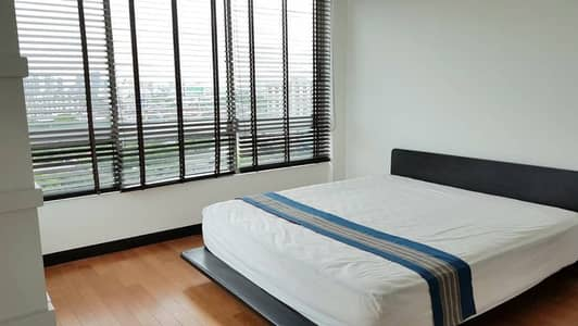 2 Bedroom Condo for Sale in Yan Nawa, Bangkok - The Lofts Yennakart Condo available for Sale