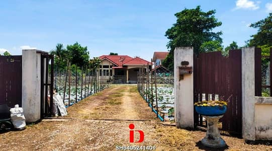 3 Bedroom Home for Sale in Mueang Udon Thani, Udonthani - Garden house for sale in Baan Waeng whole built in.