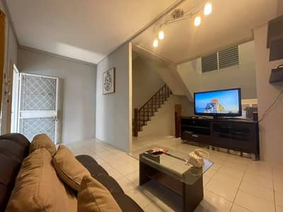 5 Bedroom Townhouse for Rent in Din Daeng, Bangkok - Homely 5-BR Townhouse