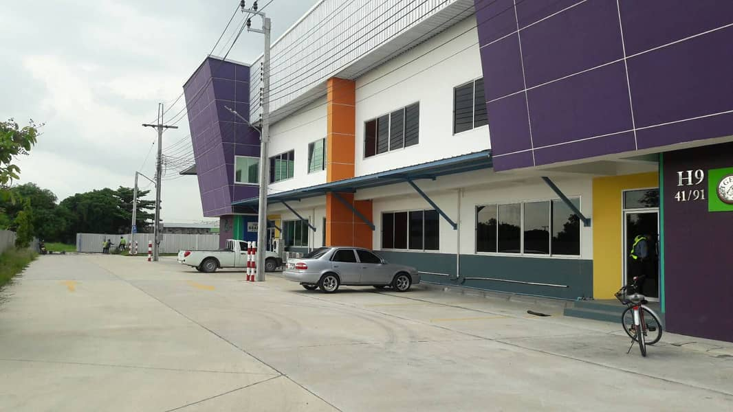G87-Warehouse for rent area 700 sqm. And 900 sqm. Bangna-Trad road Km16 Warehouse and warehouse for rent 700 and 900 sqm Bangna-Trad Road Km 16.