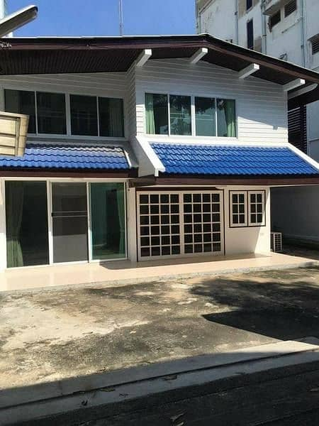 P09HF2004030 House for rent, Khlong Tan Nuea, 3 bedrooms, 200 sq m, 60,000 baht.