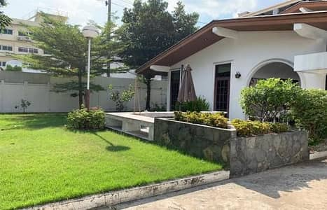 3 Bedroom Home for Rent in Ratchathewi, Bangkok - P09HF2004050 House for rent, on Phayathai Road, 3 bedrooms, 300 sq m, 80,000 baht.