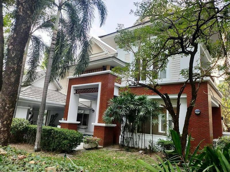 P09HF2004039 House for rent, Khlong Tan Nuea, 4 bedrooms, 400 sq m, 250,000 baht.