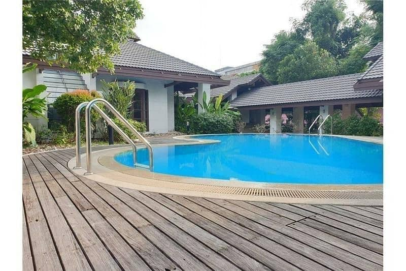 P09HF2004006 House for rent in Khlong Tan Nuea, 6 beds 1200 sq m, 350,000 baht.