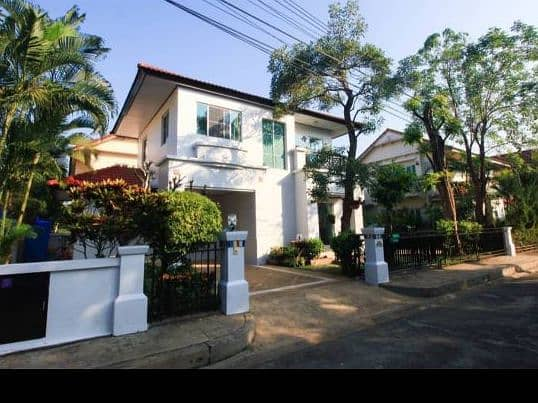 2 storey detached house for rent Chiang Mai city