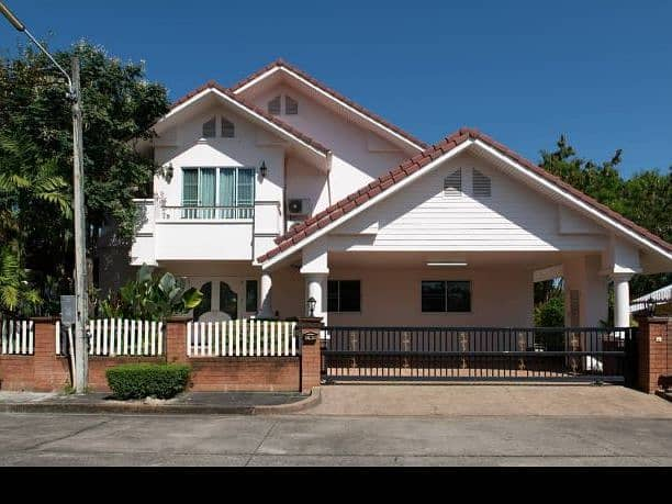 Sell and rent Vip129. Lanna Thara Village 2-storey detached house In the village of Lanna Thara